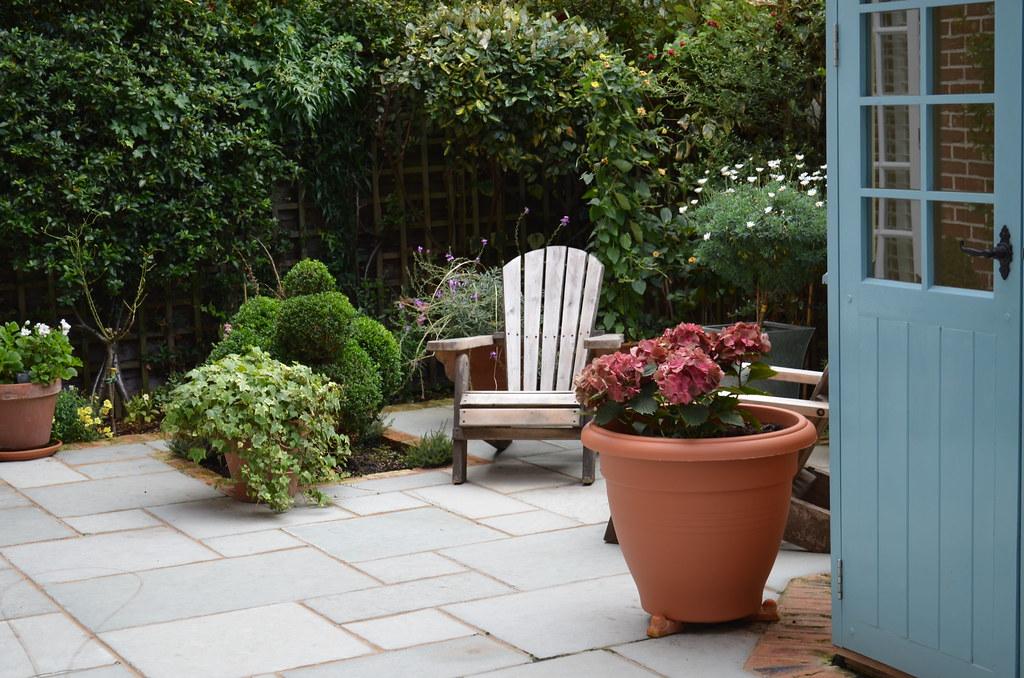 dallage pierre naturelle pour l'aménagement d'une terrasse