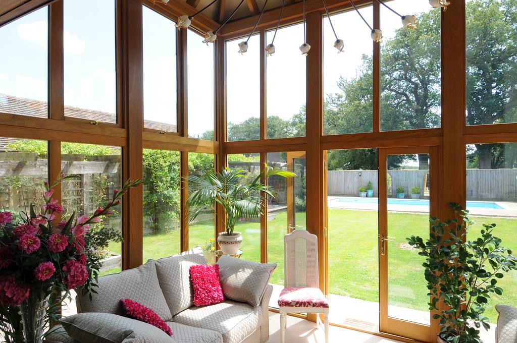 prolonger les matériaux de l'intérieur pour l'aménagement d'une terrasse