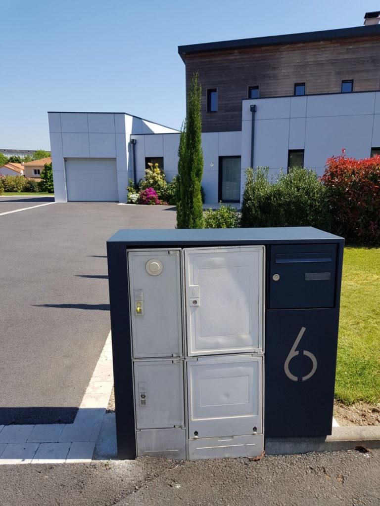 coffret technique pour cacher le compteur électrique et la boîte aux lettre en métal